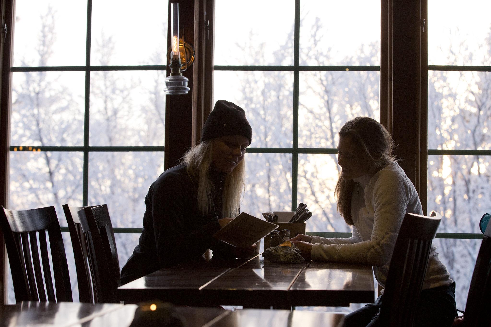 Foto van mensen in een restaurant in Åre